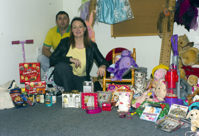 Kelly Williamson and Christmas Donations