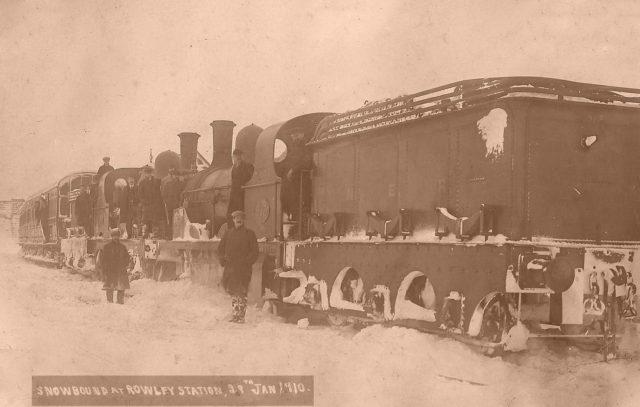 bad-snow-days-snowbound-train-at-rowley-small